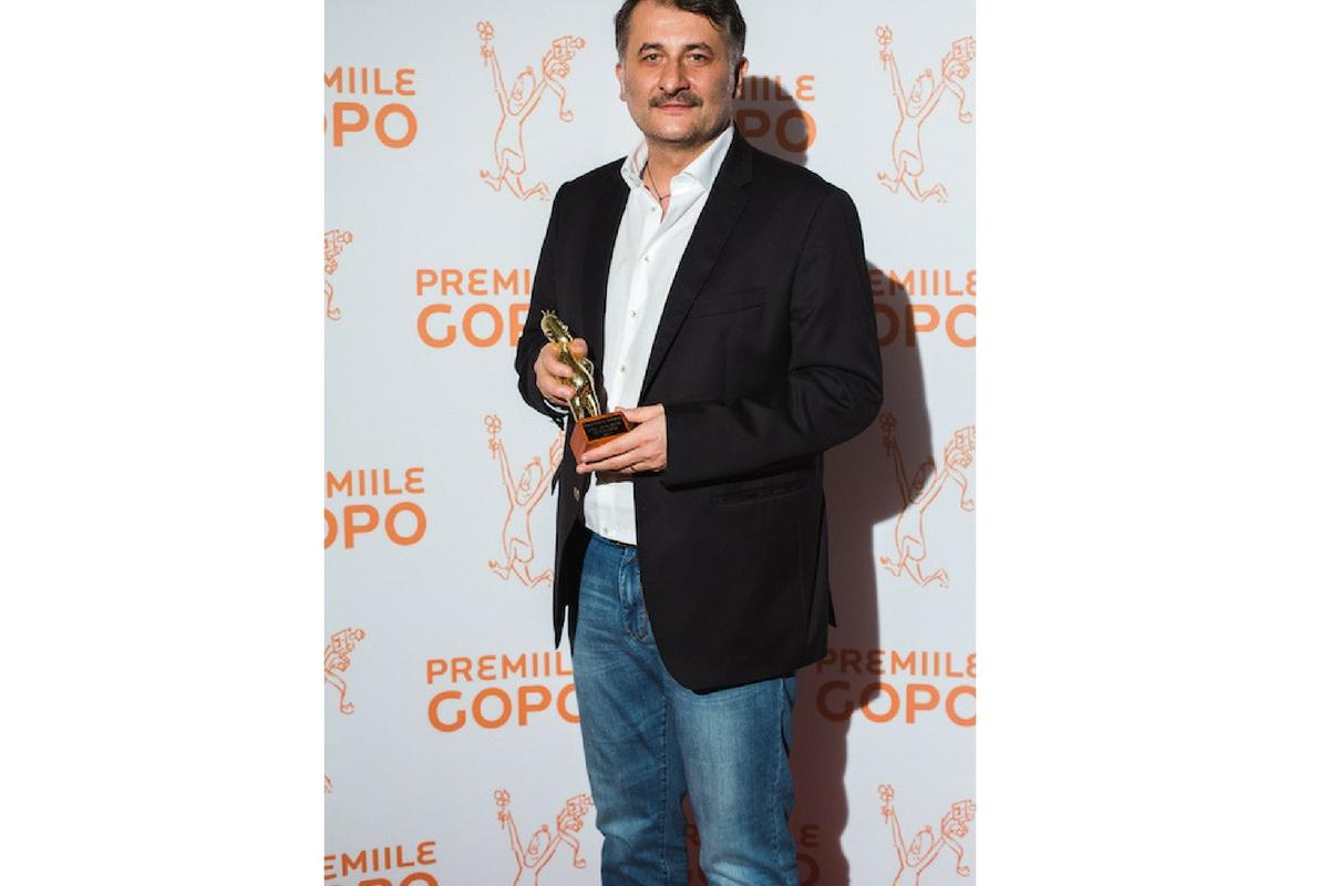 """Premiile Gopo 2017 - Filmele """"Sieranevada"""" și """"Câini"""", în regia lui Cristi Puiu, respectiv Bogdan Mirică, s-au numărat printre câștigători."""