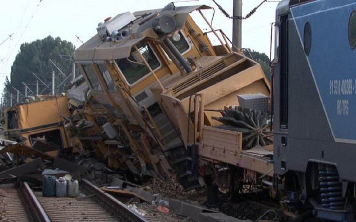 Accident feroviar pe ruta Simeria-Petroșani. Două persoane au murit