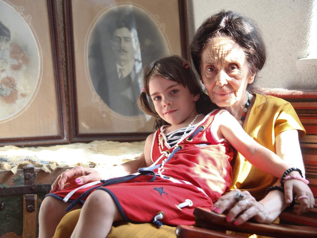 Adriana Iliescu, cea mai bătrână mamă din România, a dezvăluit ce pensie are și cum reușește să își întrețină fiica.