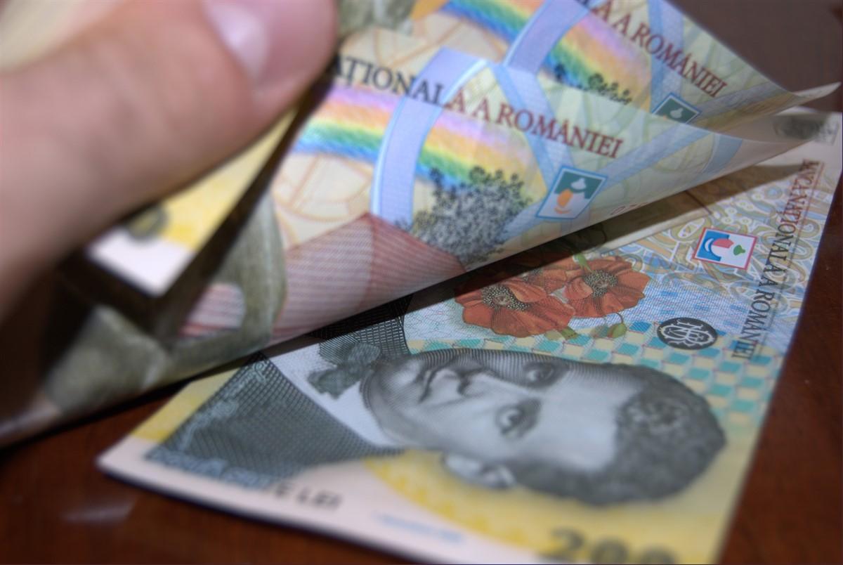 Estimările făcute de Comisia Națională de Prognoză arată că salariile medii vor crește în funcție de regiune.