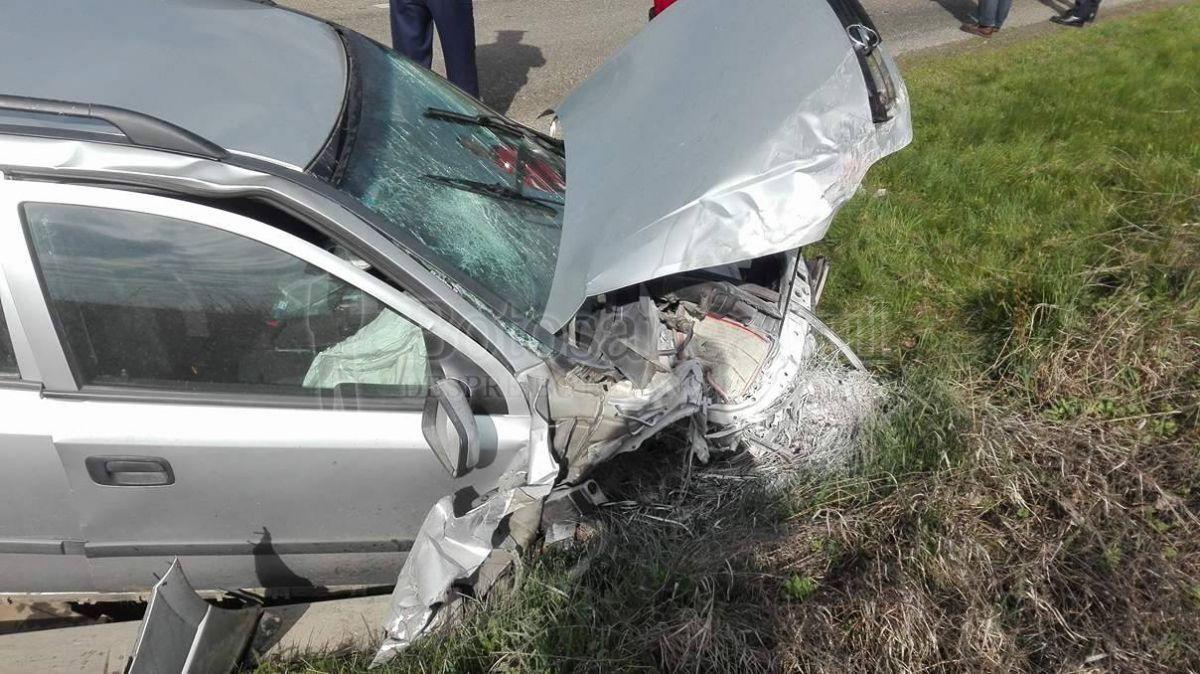 Un accident pe autostrada Soarelui a avut loc miercuri dimineață. Trei mașini au fost implicate într-un carambol, iar o persoană a fost rănită