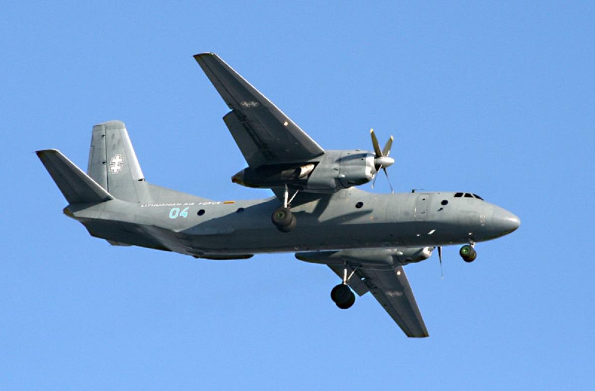 Un avion Antonov AN-26 s-a prăbușit în Rusia, în timp ce efectua un zbor de antrenament. O persoană a murit, alte cinci au fost rănite.