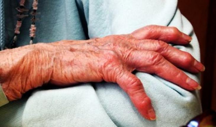 O bătrână în vârstă de 80 de ani, din localitatea Leordeni, județul Argeș, a fost violată de un bărbat de 52 de ani, care era recidivist.