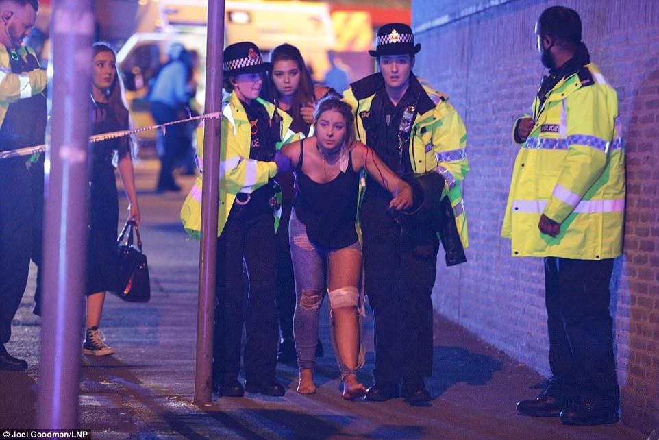 EXPLOZII PUTERNICE la un concert în Manchester. 19 morți și 54 de răniți