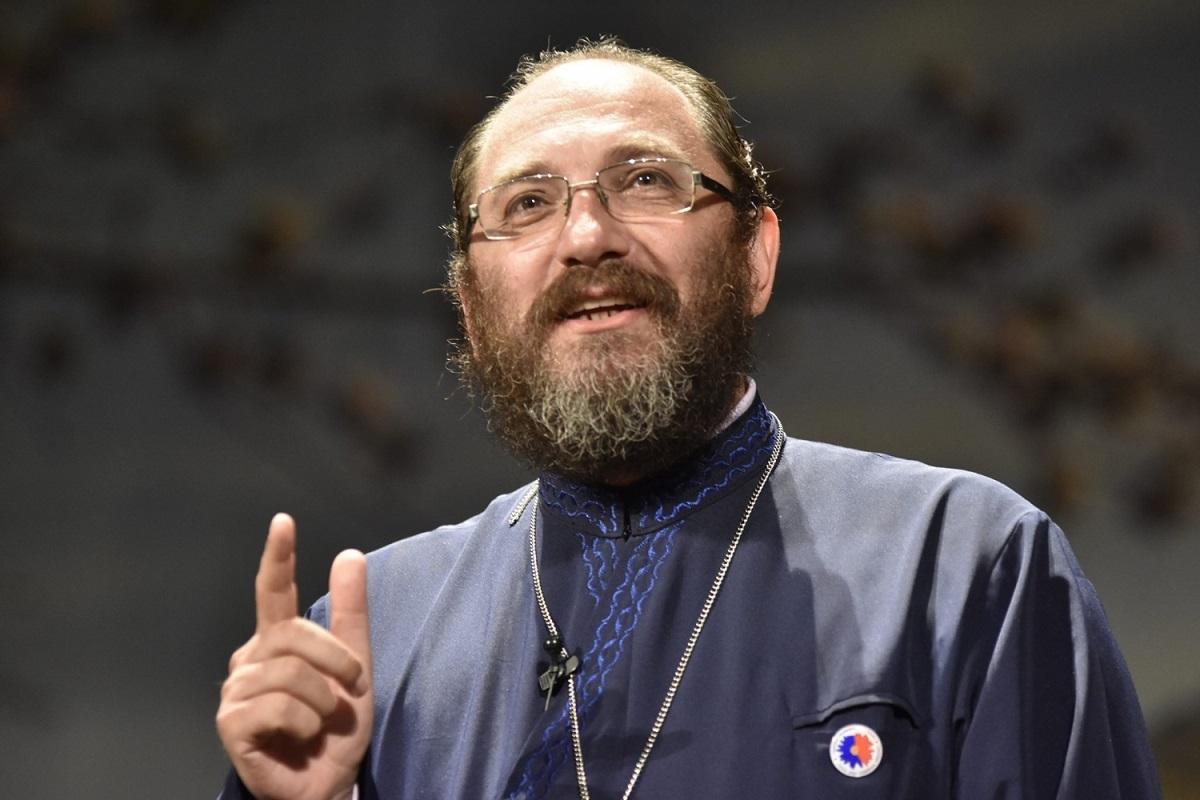 Foarte multe reprezentante ale sexului frumos sau întrebat dacă au sau nu voie femeile la menstruație în biserică. Preotul Constantin Necula a spus adevărul.