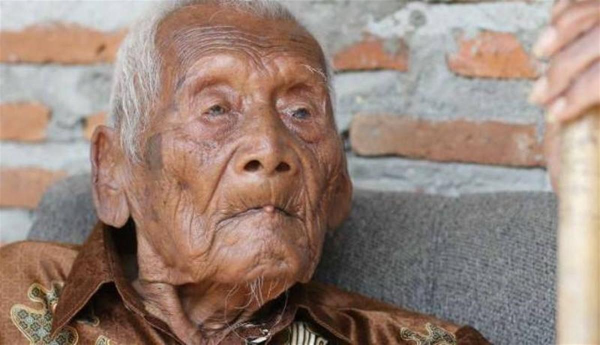 Indonezianul Mbah Goto a murit. El ar fi avut 146 de ani, ar această vârstă nu a fost confirmată în mod oficial.