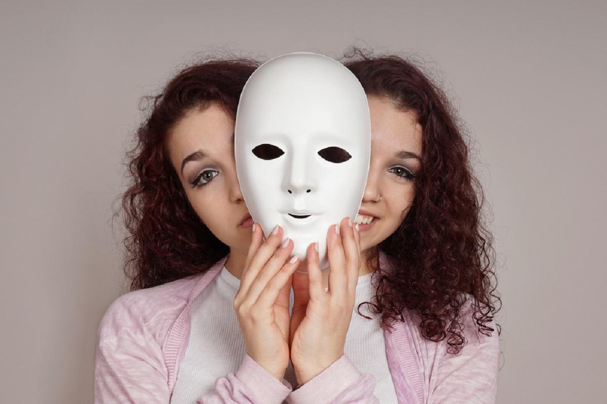 Află care sunt cele mai ipocrite femei din zodiac. Ferește-te de ele doarece îți pot transforma viața într-un coșmar.