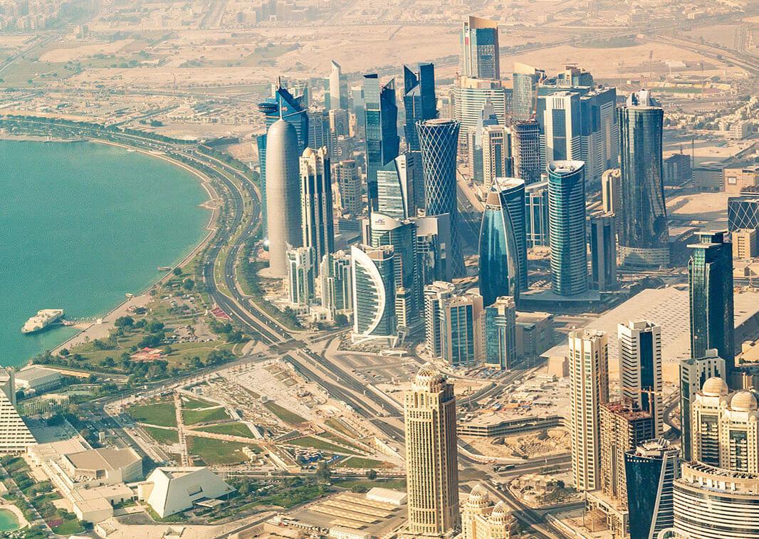 Qatarul denunță drept nejustificată acţiunea unor state arabe de rupere a relațiilor diplomatice