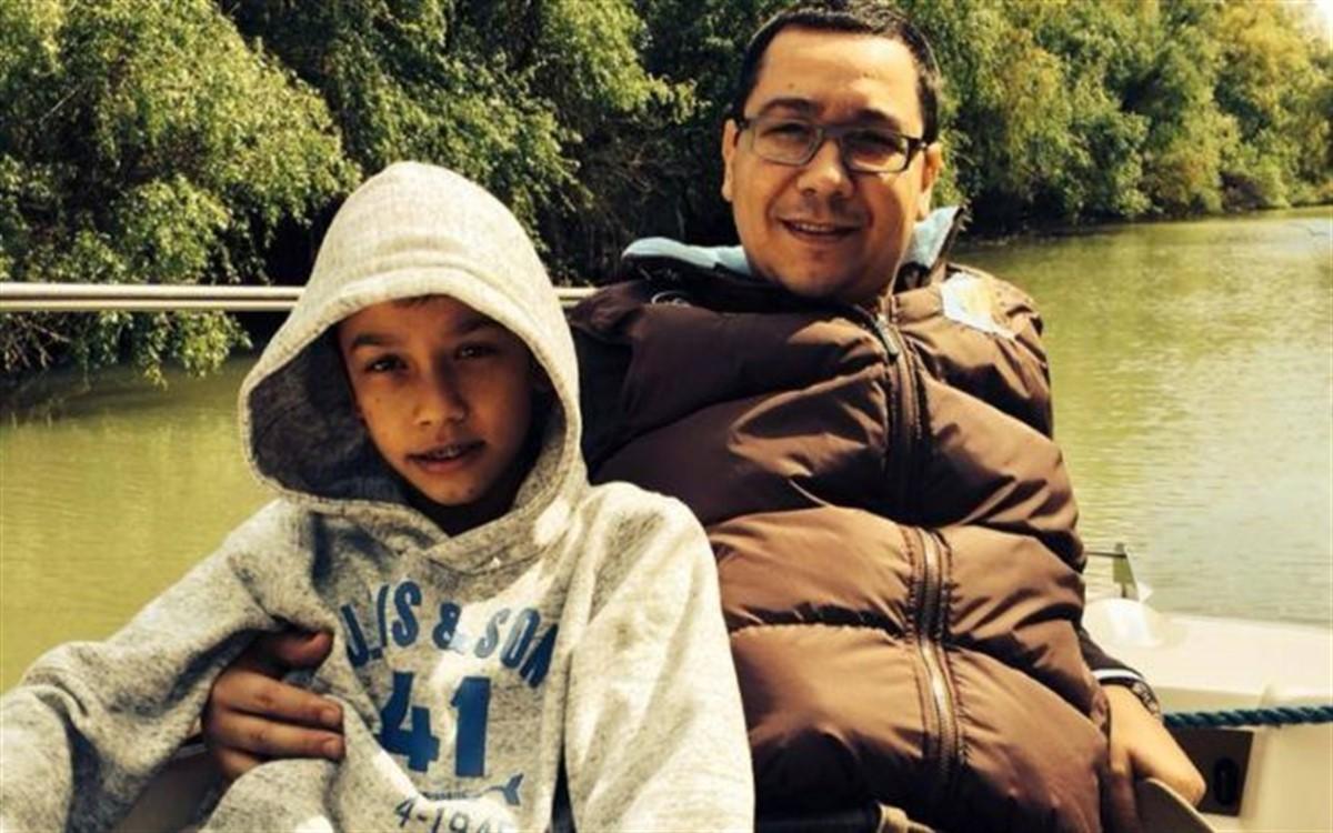Andrei Ponta, fiul lui Victor Ponta, dus de urgență la spital