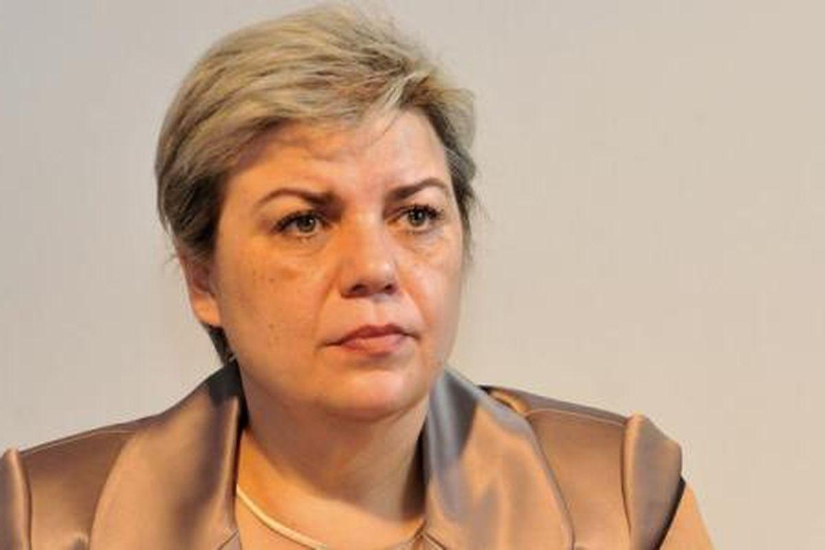 Sevil Shhaideh, ministrul demisionar al Dezvoltării, a afirmat că intenționează să depună o plângere penală contra premierului Grindeanu.