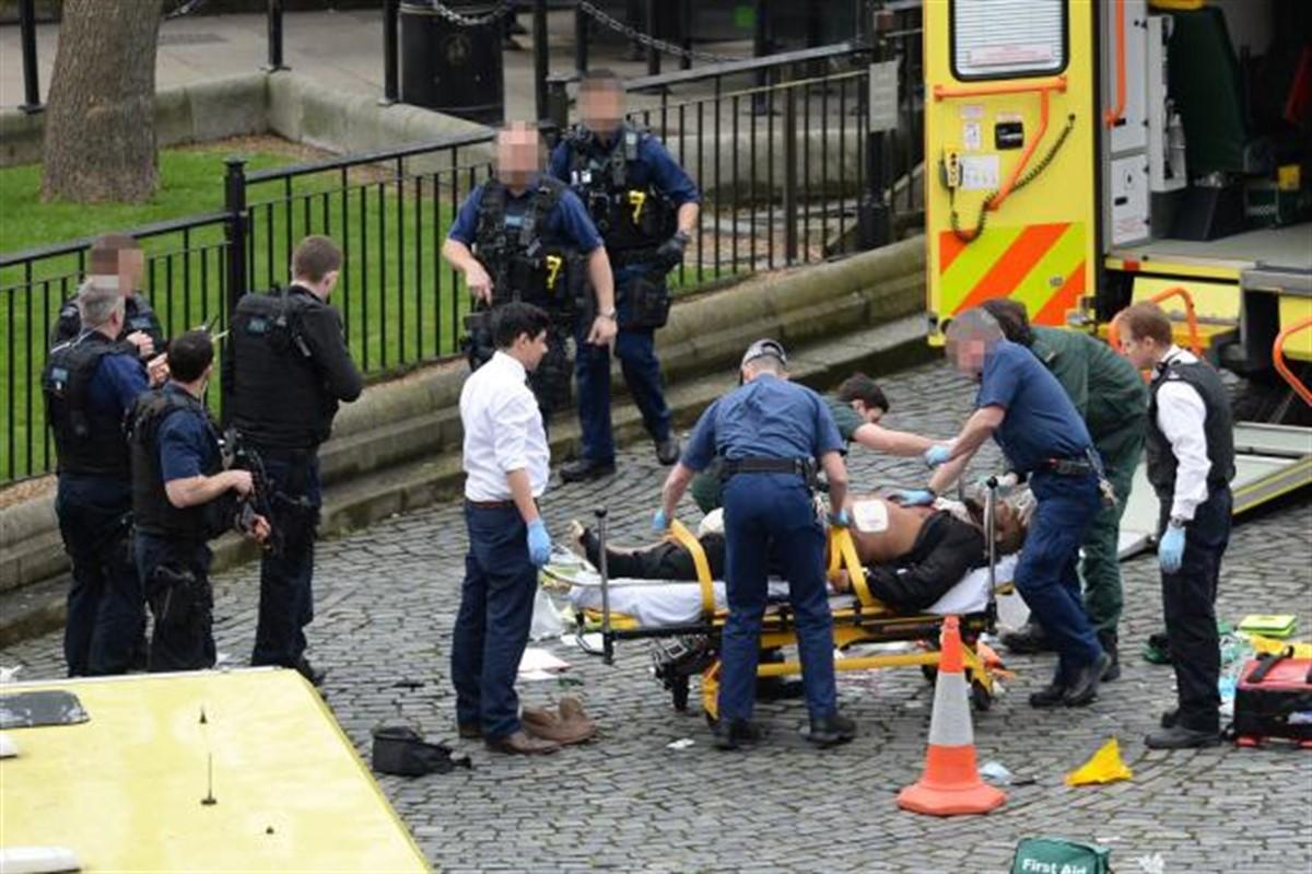 ATAC CU ACID în LONDRA! Victimele au fost spitalizate!