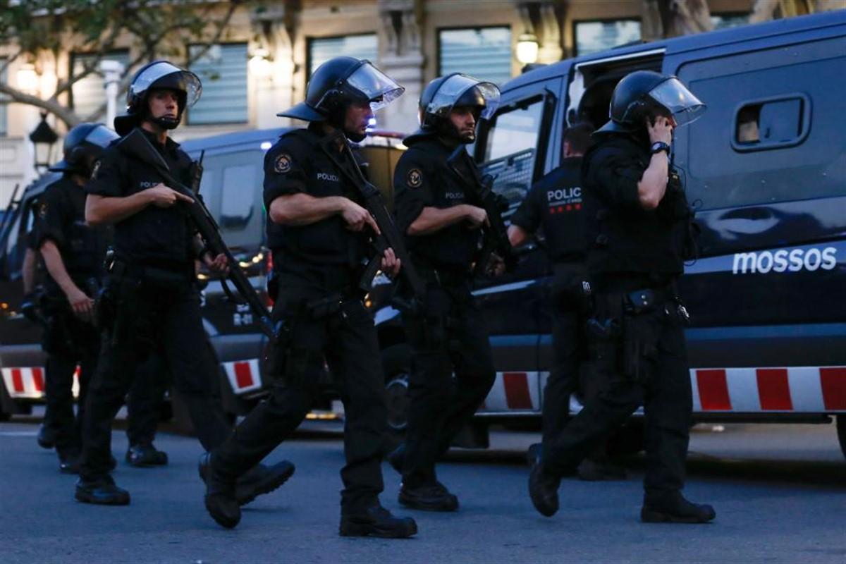 Din nou alertă la BARCELONA! Autoritățile au dat peste un pachet suspect!
