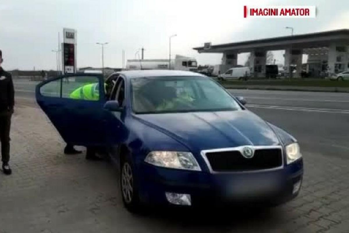Polițiștii au oprit o mașină care circula cu 238 de km/h. Au fost șocați când au văzut cine era la volan