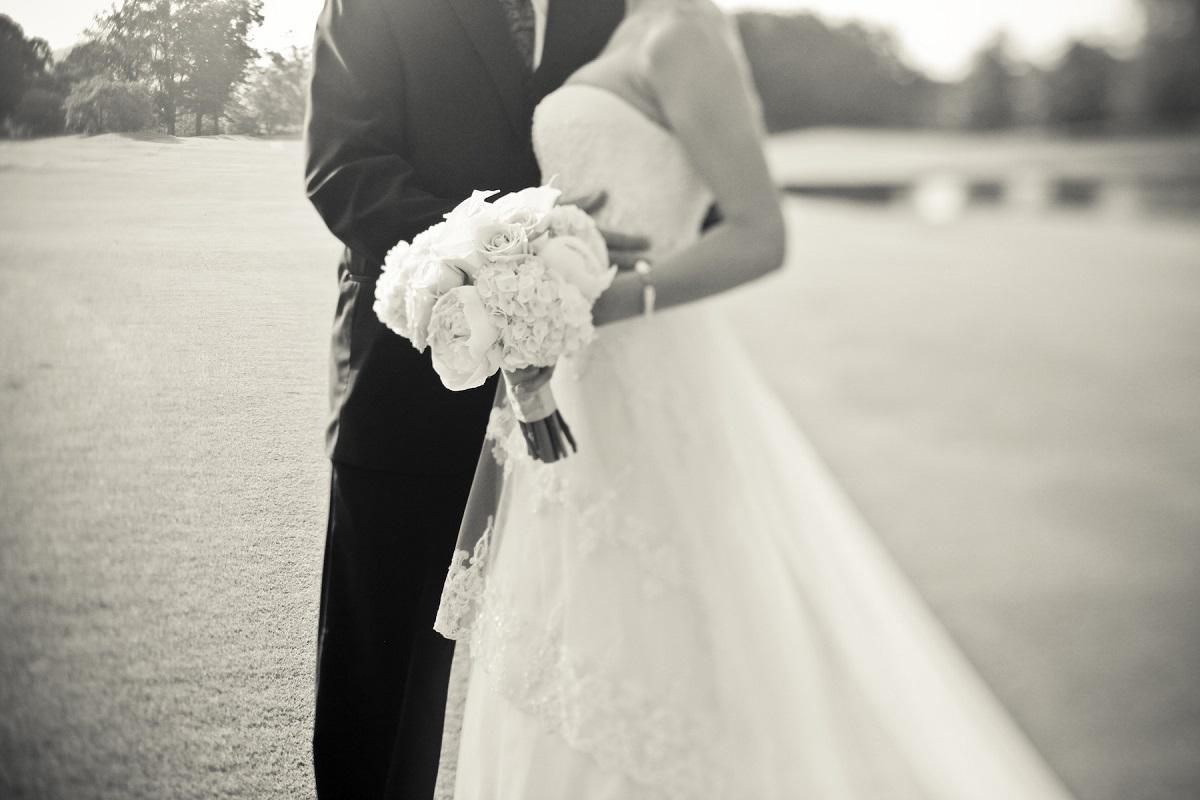 Au vrut să facă nunta, dar s-au ales cu dosar penal. Ce s-a întâmplat cu doi miri din România