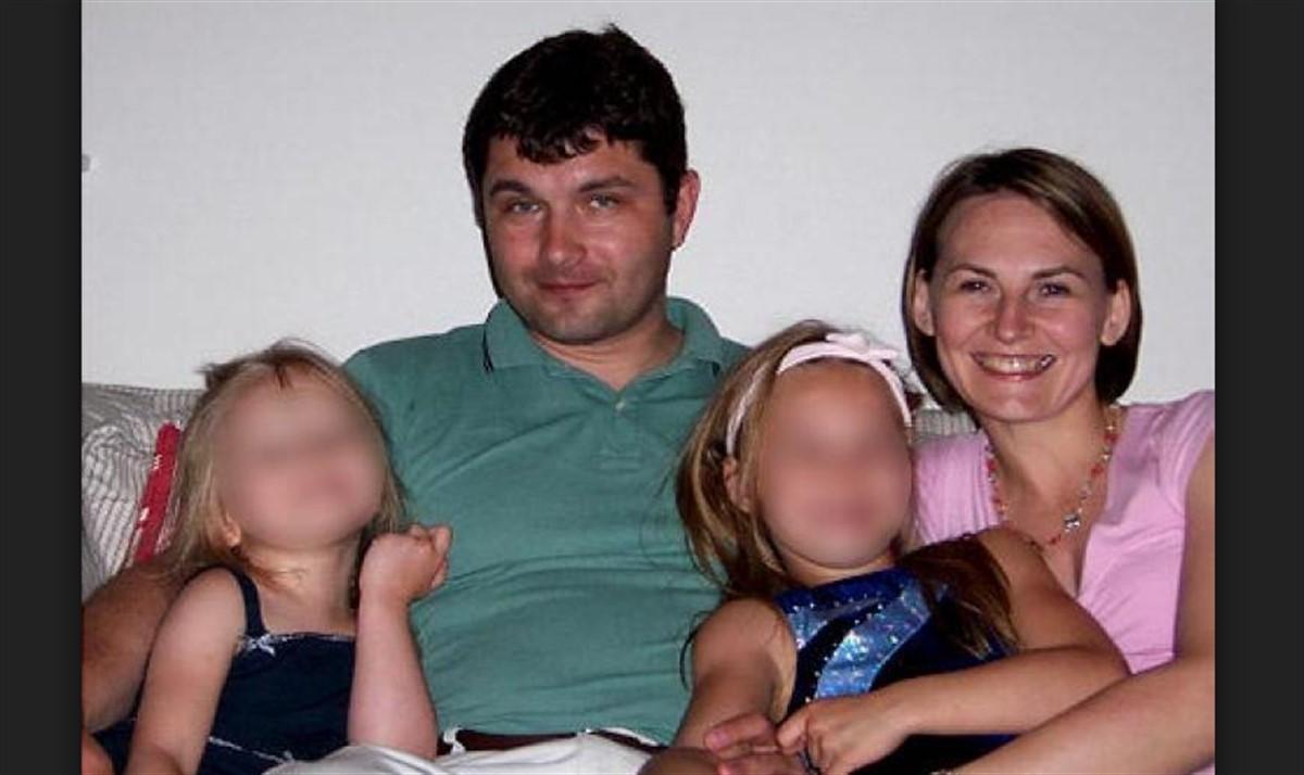 Vecinii credeau că sunt o familie respectabilă, până când poliția a intrat în casa lor. Toată comunitatea a fost șocată când a aflat ADEVĂRUL