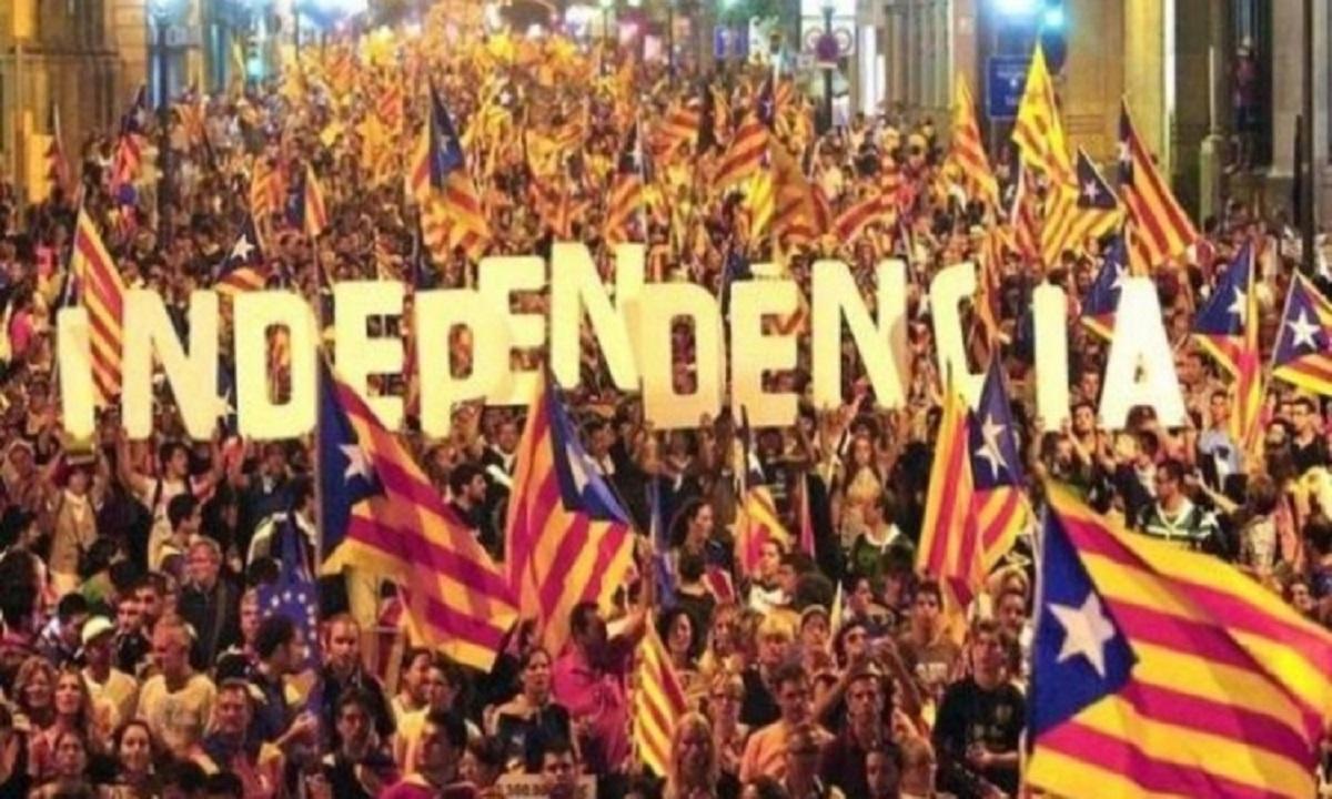 Curtea Constituţională spaniolă suspendă declaraţia de independenţă a Cataloniei