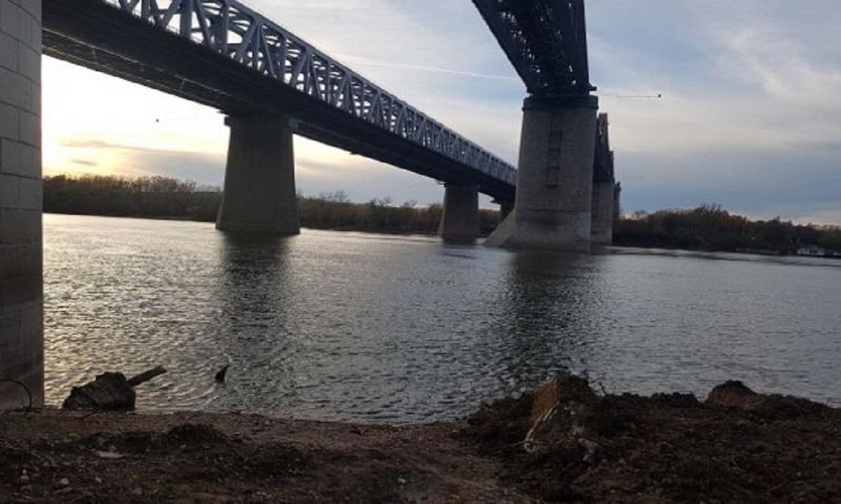 SFÂŞIETOR: Mesajul mamei tinerei care s-a aruncat de pe podul de la Cernavodă