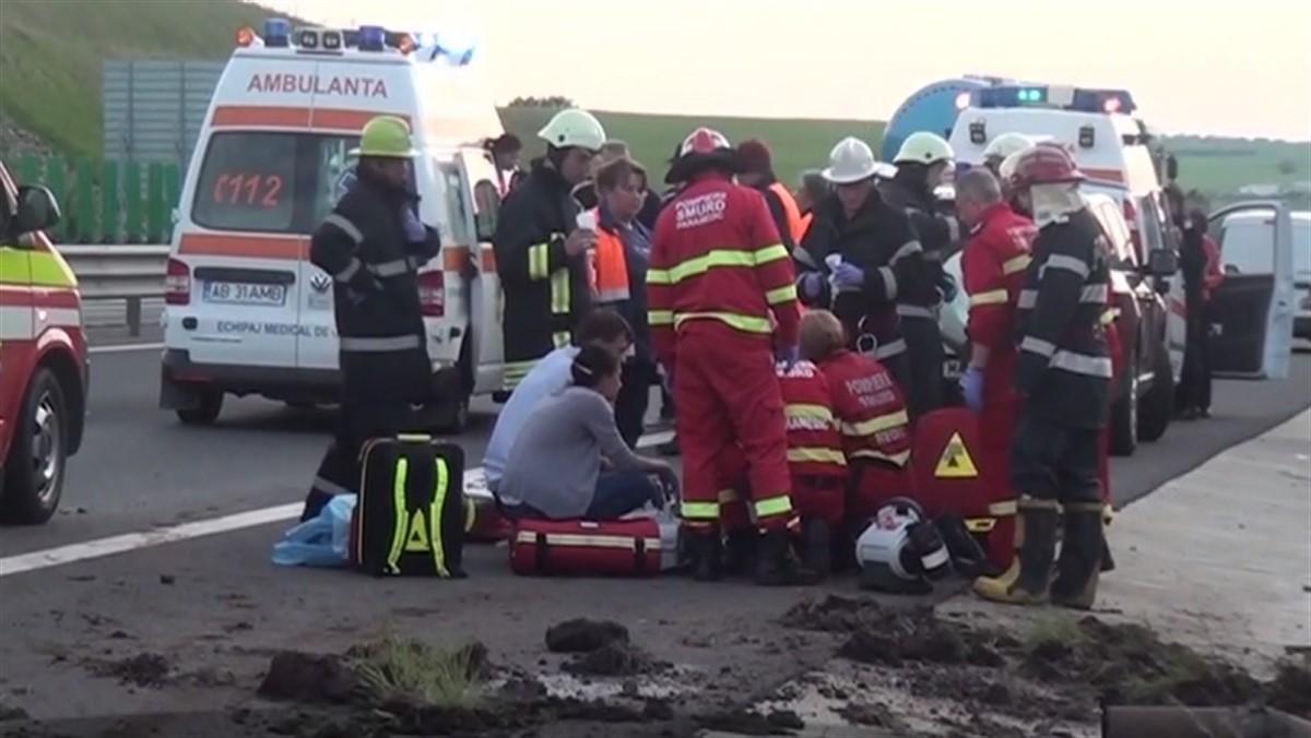 Accident deosebit de GRAV în urma cu puţin timp în România. Sunt peste 20 de victime