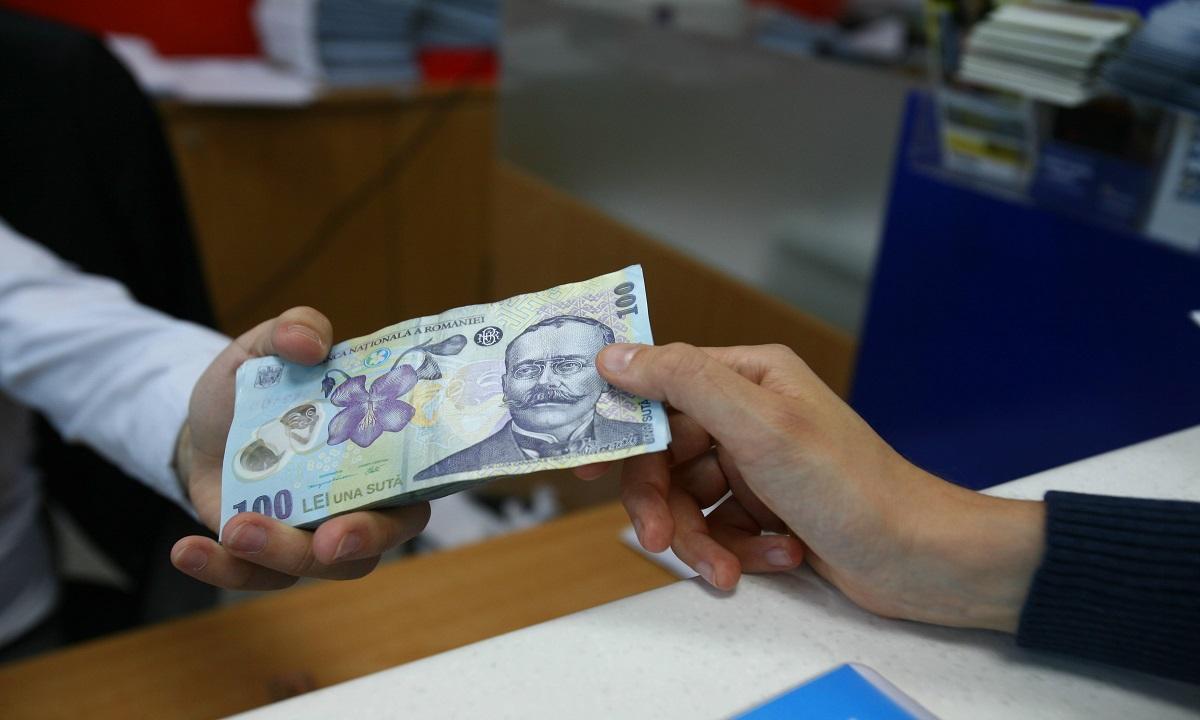 Situaţie dramatică pentru românii cu credite în lei. Ce se întâmplă cu ROBOR