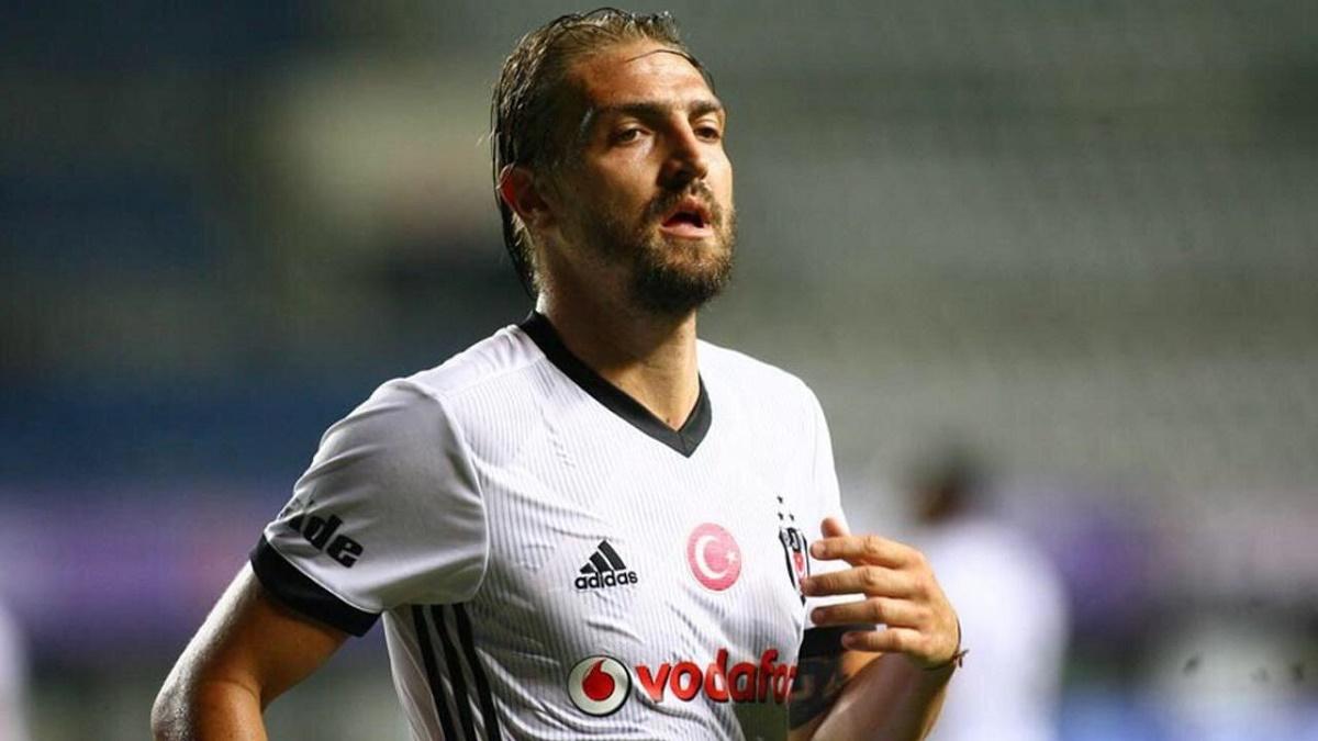 Caner Erkin, de la Beşiktaş Istanbul, riscă închisoarea. Ce gest nepermis a făcut sportivul în timpul unui meci