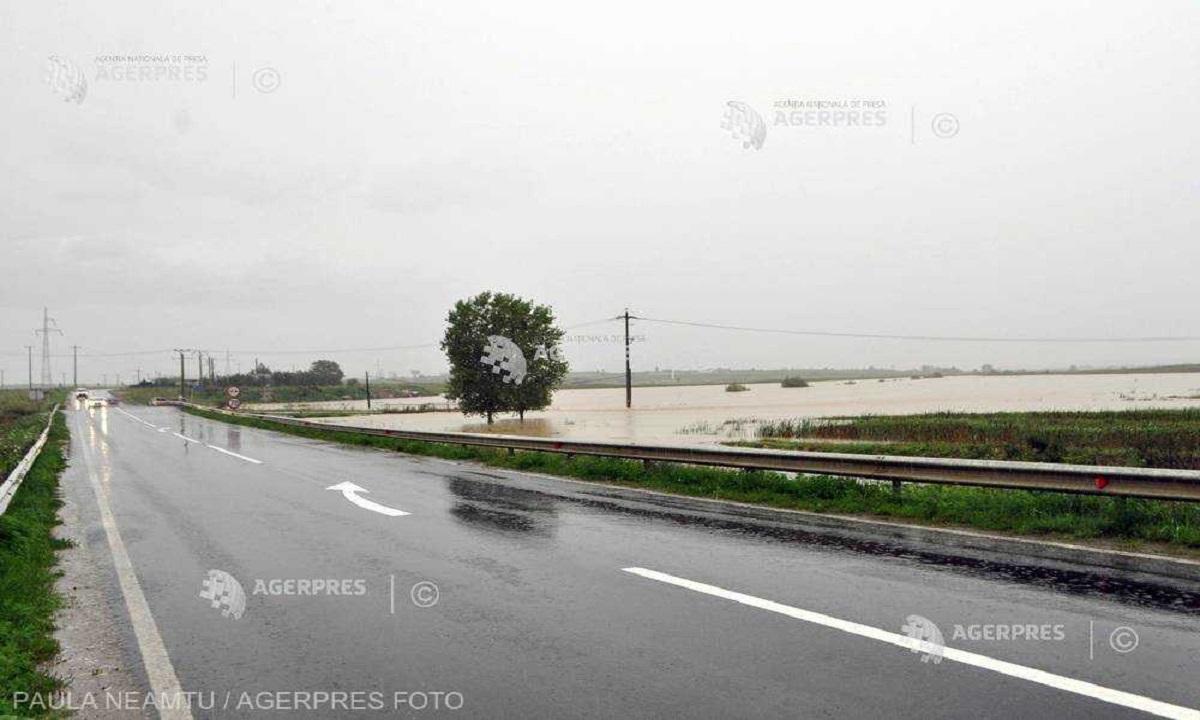 Drumul European 81 a fost inundat pe o bandă din localitatea Rătești, Satu Mare