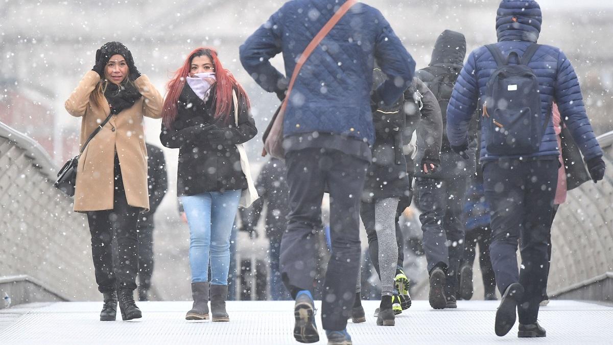 Bestia din Est face ravagii în Europa. Marea Britanie se confruntă cu una dintre cele mai severe ierni, iar autoritățile sunt în alertă.