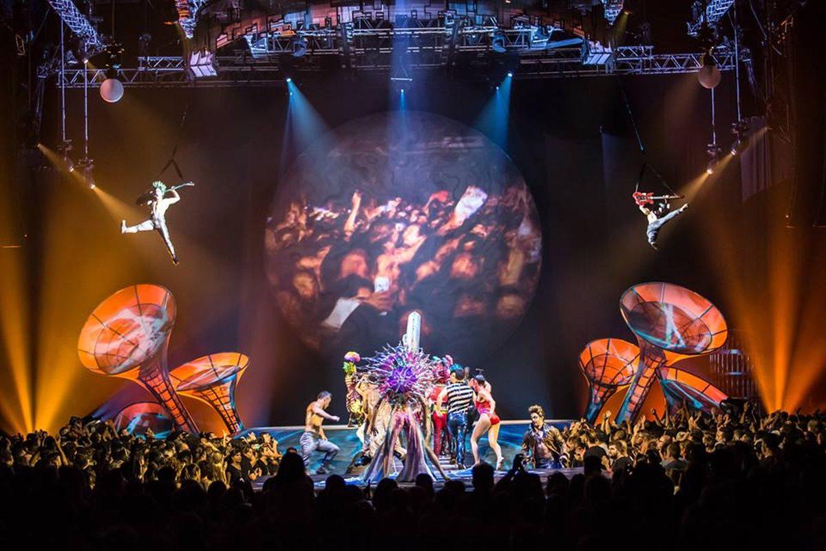 TRAGEDIE în trupa Cirque du Soleil! Un acrobat a murit în urma unei căzături, în timpul unui spectacol! Specatorii au privit îngroziți momentul