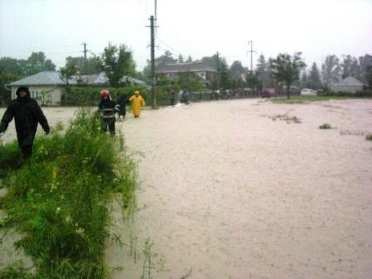 Avertizare de cod galben de inundații, până miercuri seara. Care zone vor fi afectate