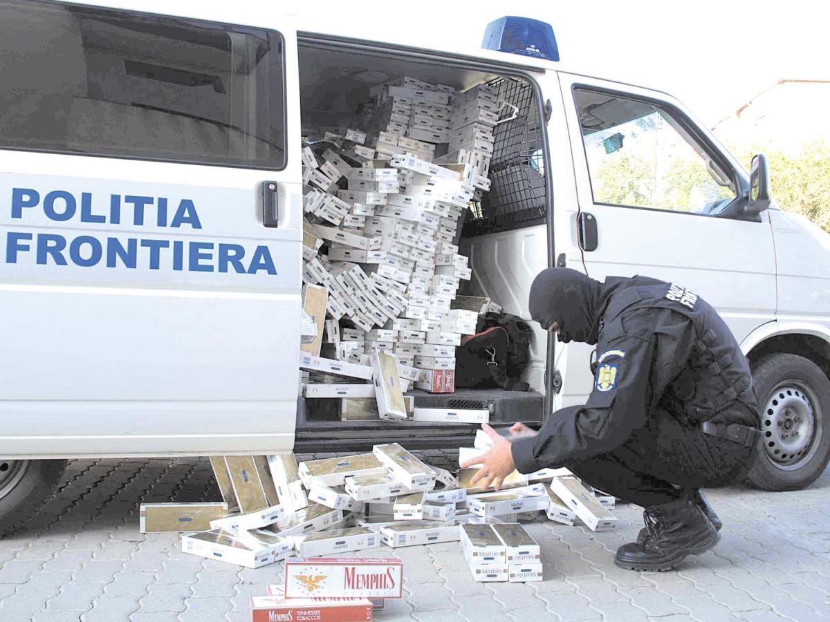 Produse de contrabandă de sute de mii de lei, confiscate la Valea Vișeului! Polițiștii au tras cu arma