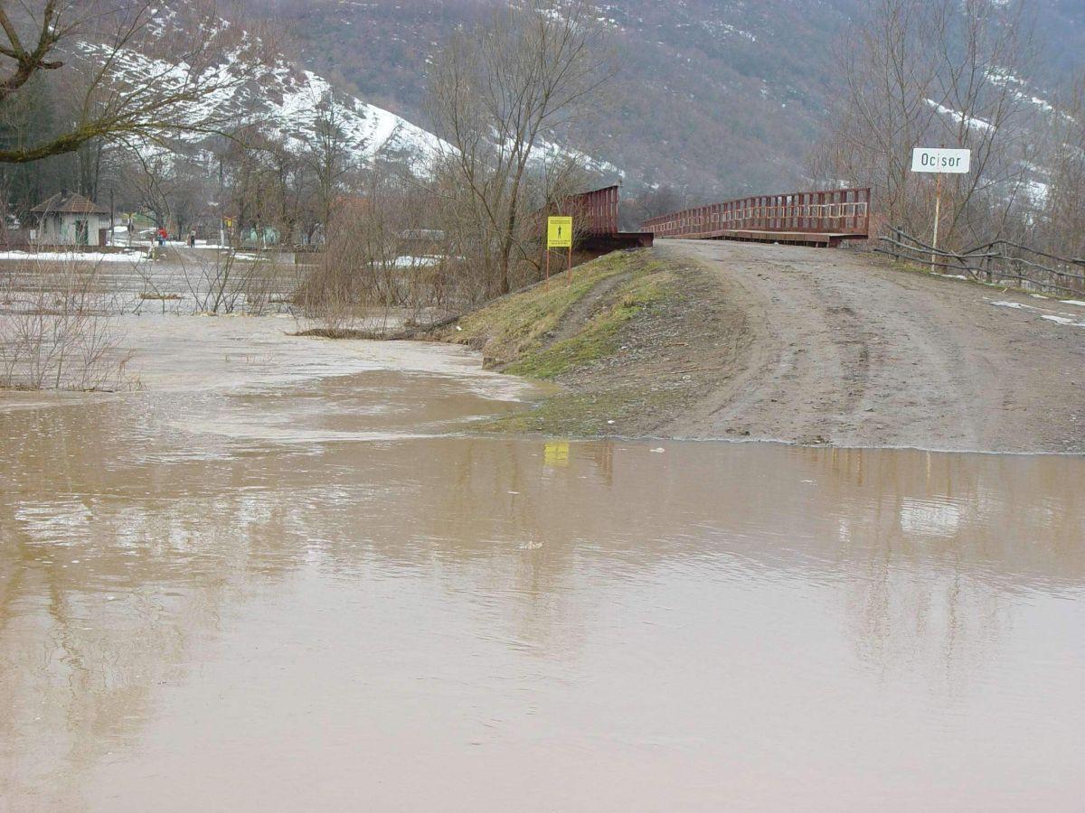Declarații de ultimă oră despre circulația de pe DN 10 blocată din cauza inundațiilor. Cum se desfășoară circulația în Sita Buzăului
