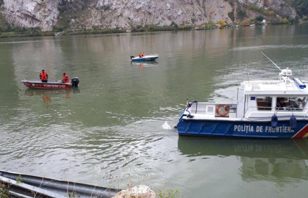 Grav accident pe Dunăre! O femeie a fost dată dispărută, după ce a căzut din barcă