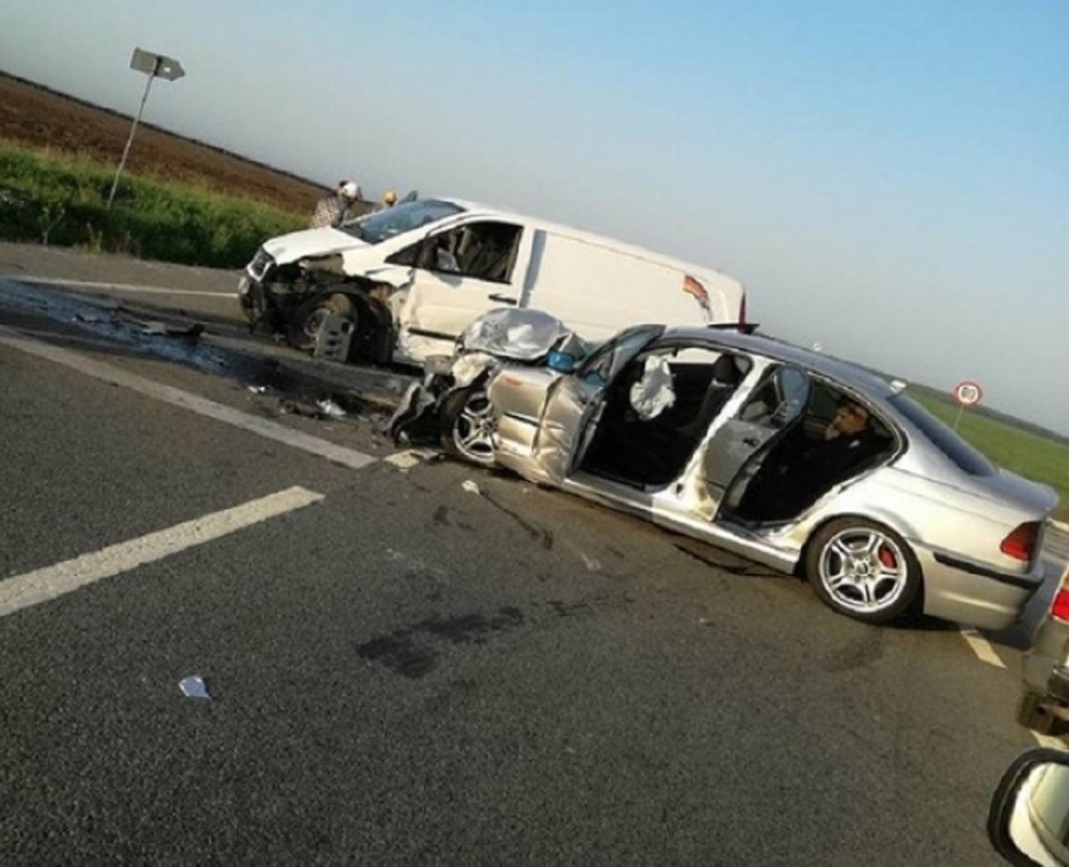 Accident în Dolj, în apropiere de Radovan. Cinci pompieri au fost răniți
