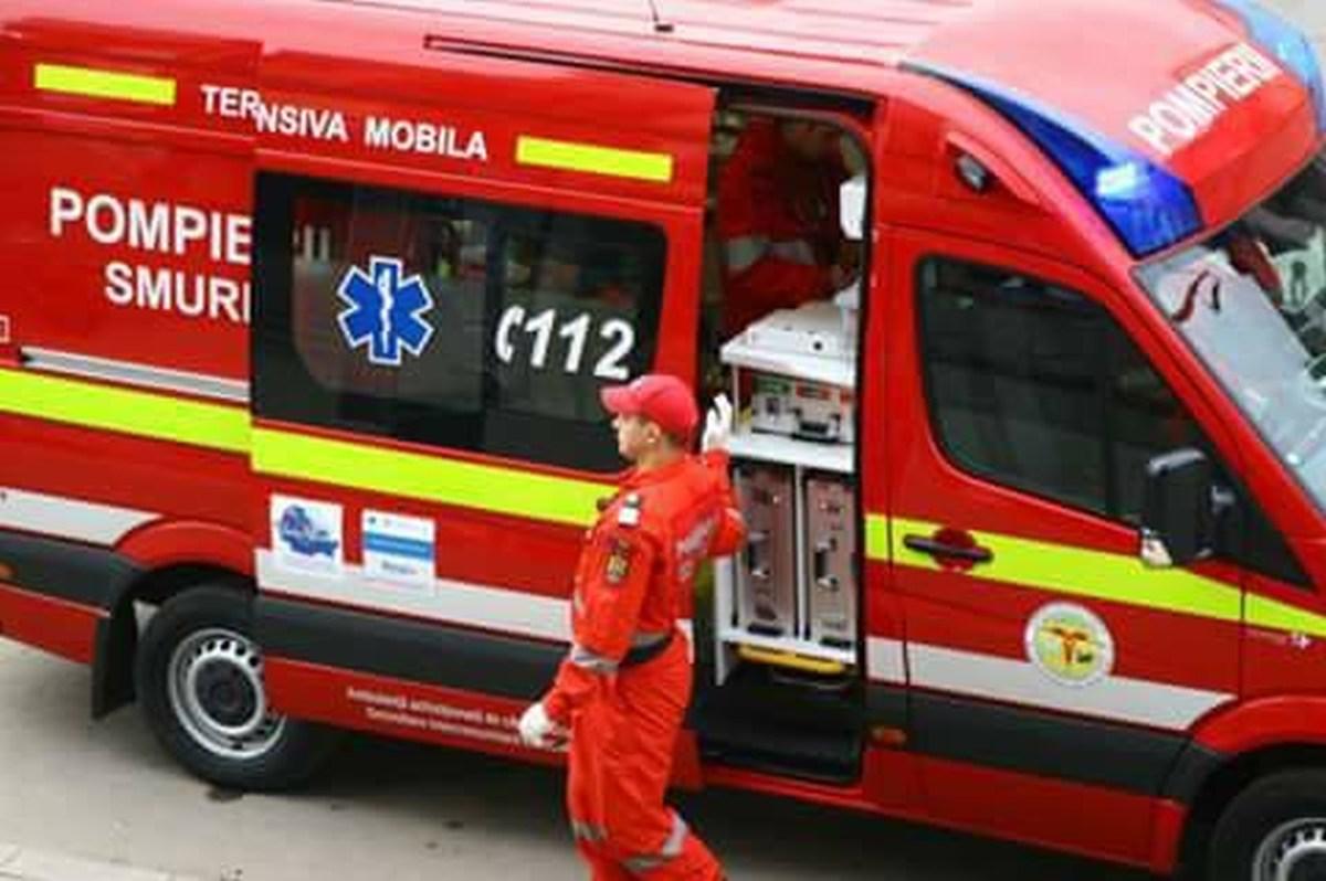 Un copil de 1 an a căzut de la etajul 3 al unui bloc din Brașov