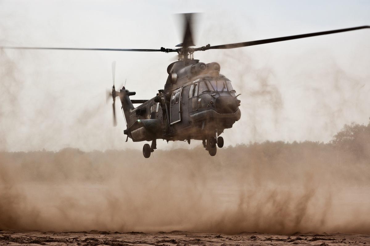 Soldații greci au efectuat tiruri de somație împotriva unui elicopter turc