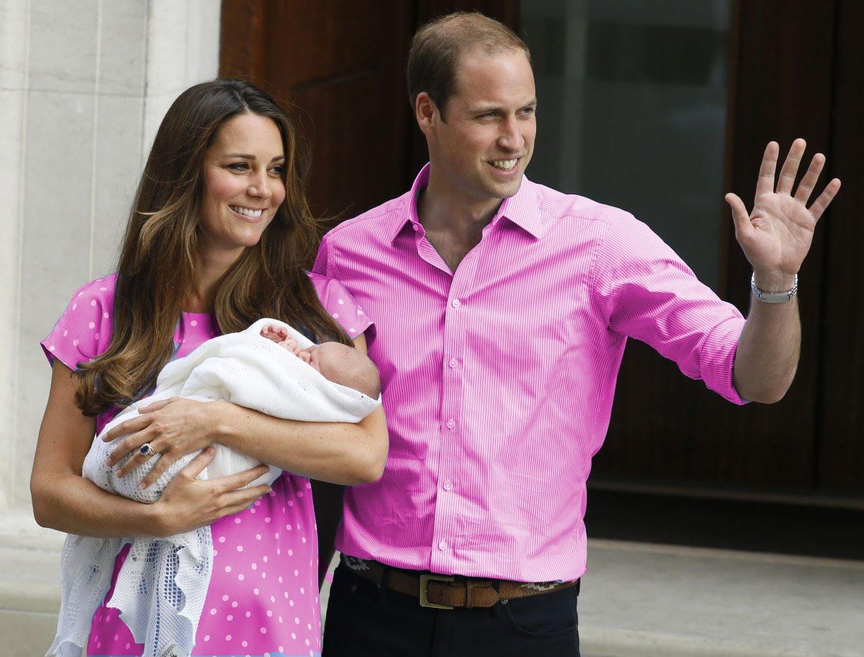 Ducesa Kate Middleton naște cel de-al treilea copil al cuplului regal britanic