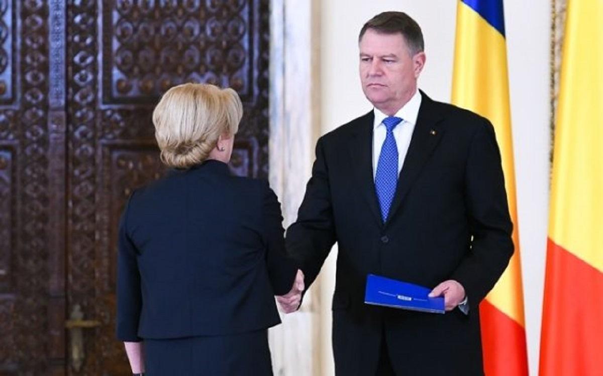 """Klaus Iohannis o critică pe Viorica Dăncilă pentru vizita în Israel: """"Nu a plecat cu un mandat acolo"""""""