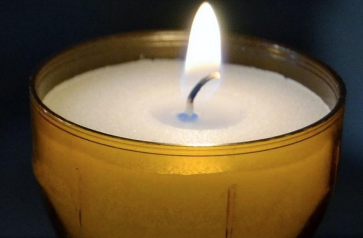 Ce TREBUIE să faci cu lumânarea de la Înviere. Toţi credincioşii trebuie să știe asta