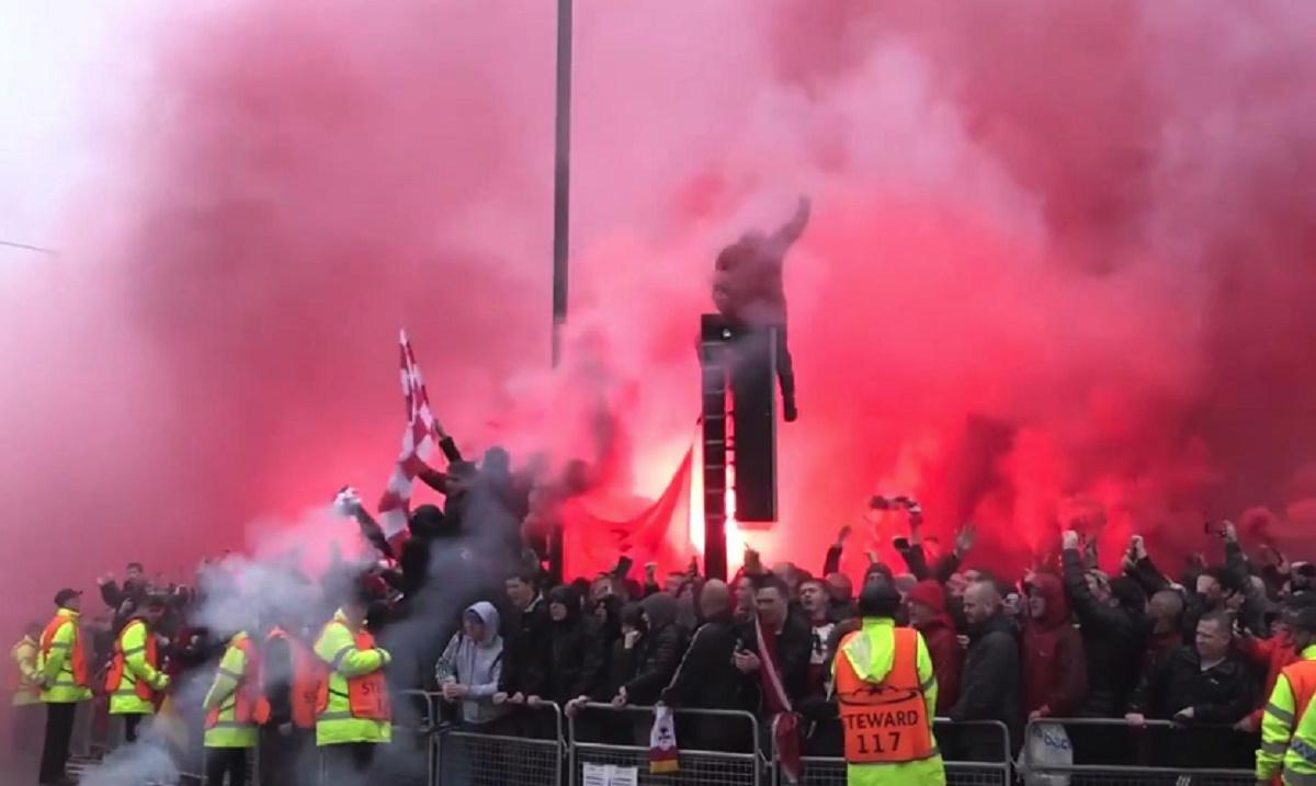 Tentativă de crimă înaintea meciului dintre FC Liverpool și AS Roma! Două persoane au fost reținute