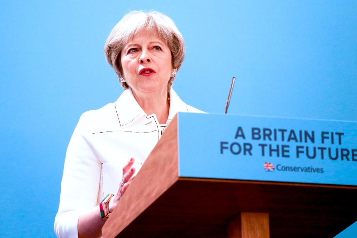 """Theresa May, despre atacul chimic din Siria: """"Comunitatea internațională trebuie să răspundă"""""""