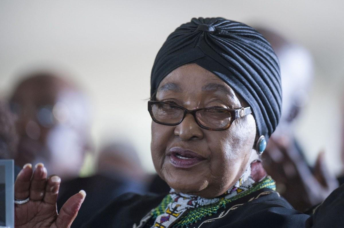 A murit Winnie Mandela, soția fostului Președintelui Africii de Sud, Nelson Mandela