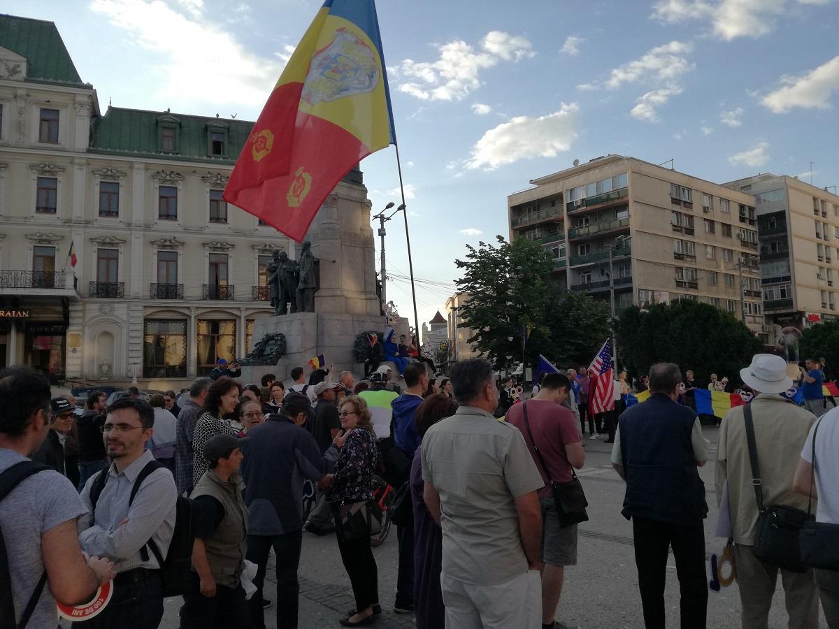 Miercuri se reiau protestele în Piaţa Victoriei