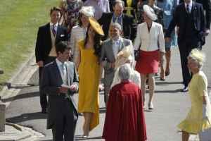 NUNTĂ REGALĂ Mii de oameni se adună la Windsor pentru nunta anului