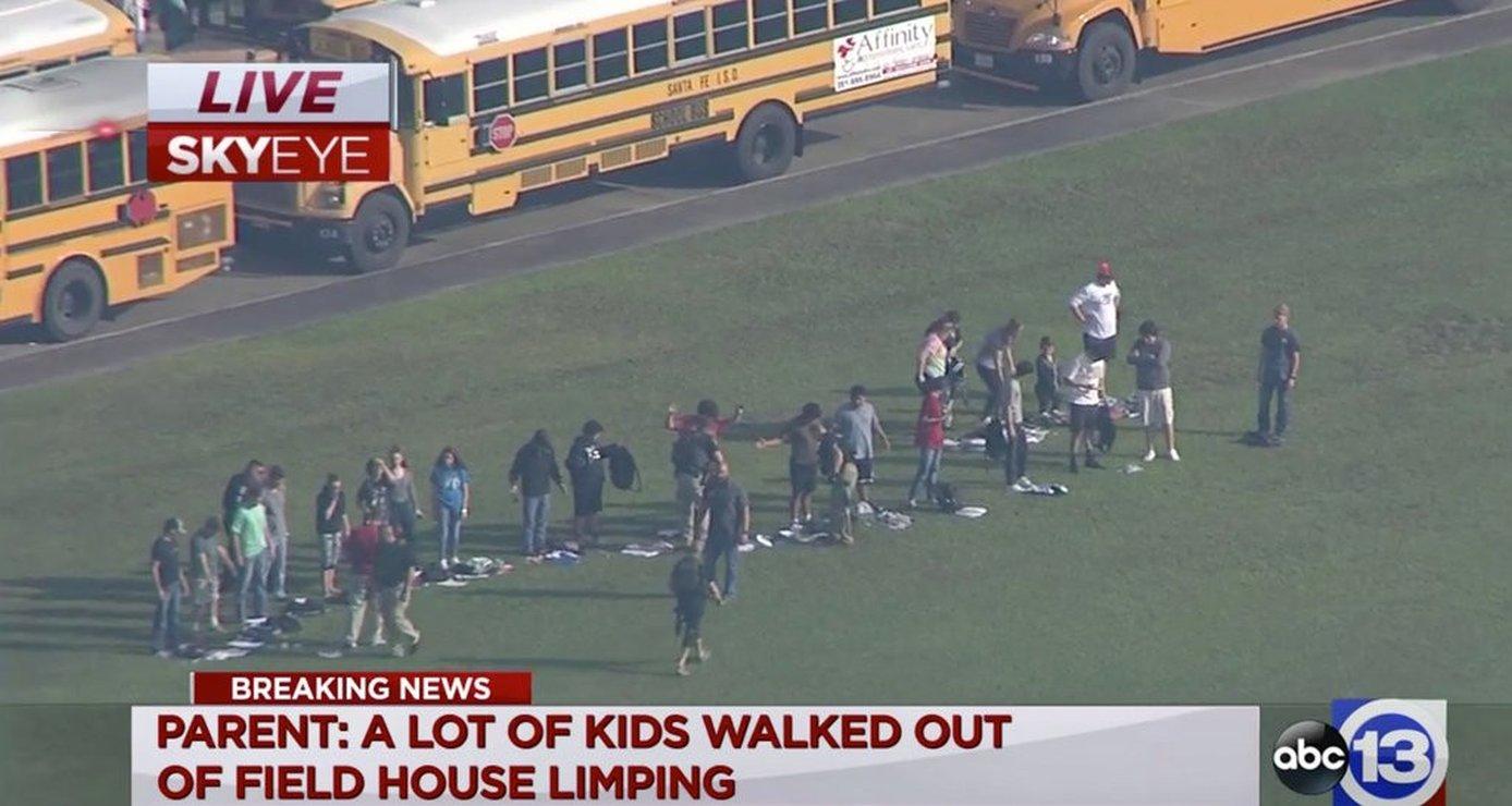 Focuri de armă la un liceu din Texas! Mai multe persoane au fost rănite