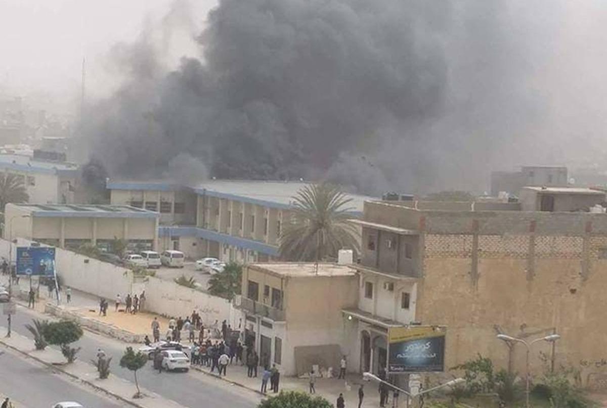 Atentat în Tripoli, împotriva sediului Comisiei Electorale Libiene. Cel puțin șapte persoane au murit