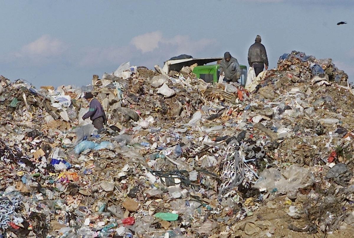 Gestionarea şi colectarea deşeurilor ar putea fi aprobată în două săptămâni