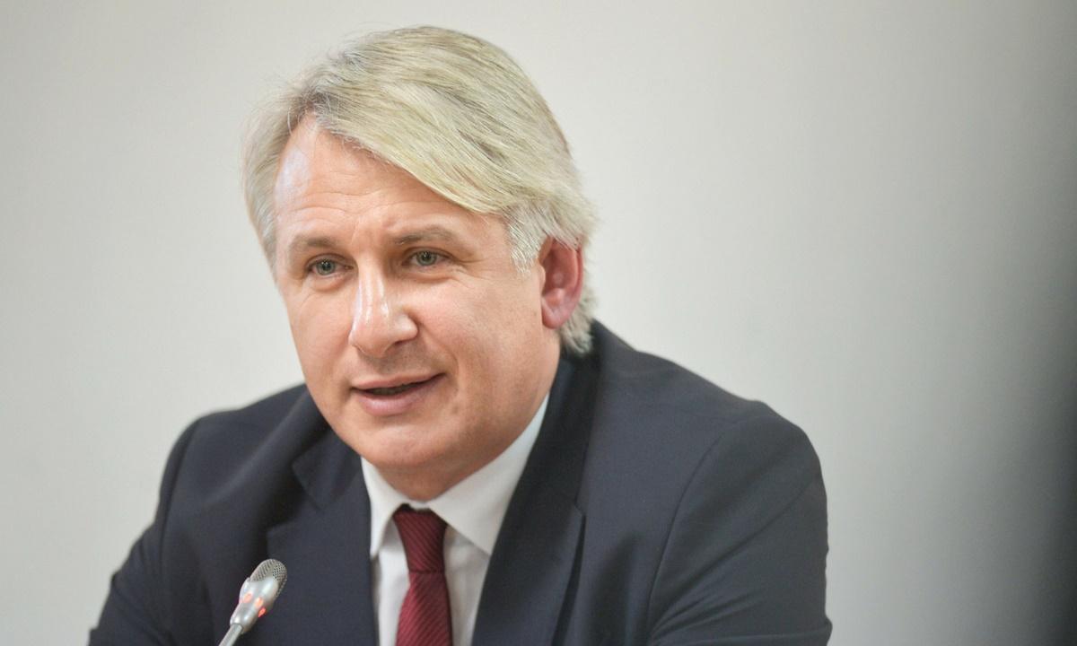 """Ministrul de Finanțe, despre pilonul I și II de pensii: """"Se face o analiză, este prematur să discutăm fel de fel de scenarii"""""""