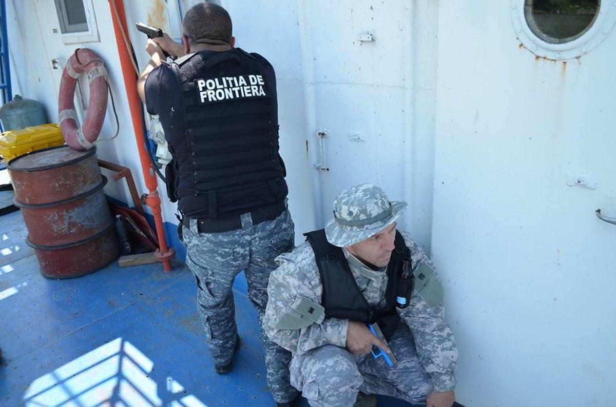 Poliția de Frontieră Arad a depistat un bărbat urmărit internațional pentru trafic și consum de droguri