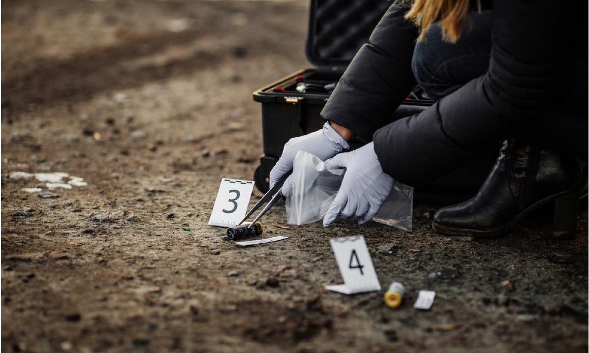 Un copil s-a sinucis în Arad. A fost găsit spânzurat în podul casei de sora sa geamănă