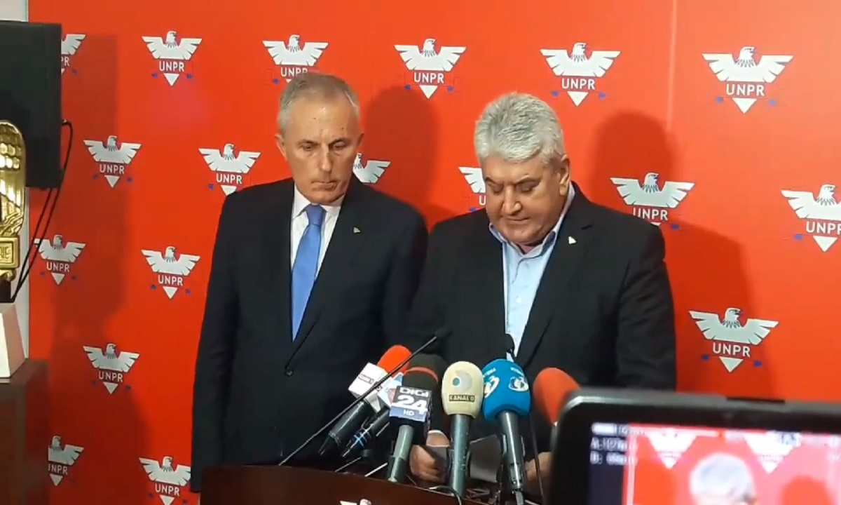 Gabriel Oprea se întoarce în politică!
