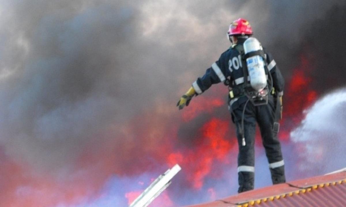 Incendiu puternic la un spital din Timișoara. Zeci de persoane evacuate